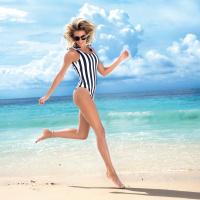Разбудете ја летната фантазија со смели, тропски и тренди костими за капење
